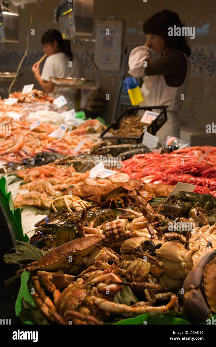 Salesladies at fish market - Stock Image