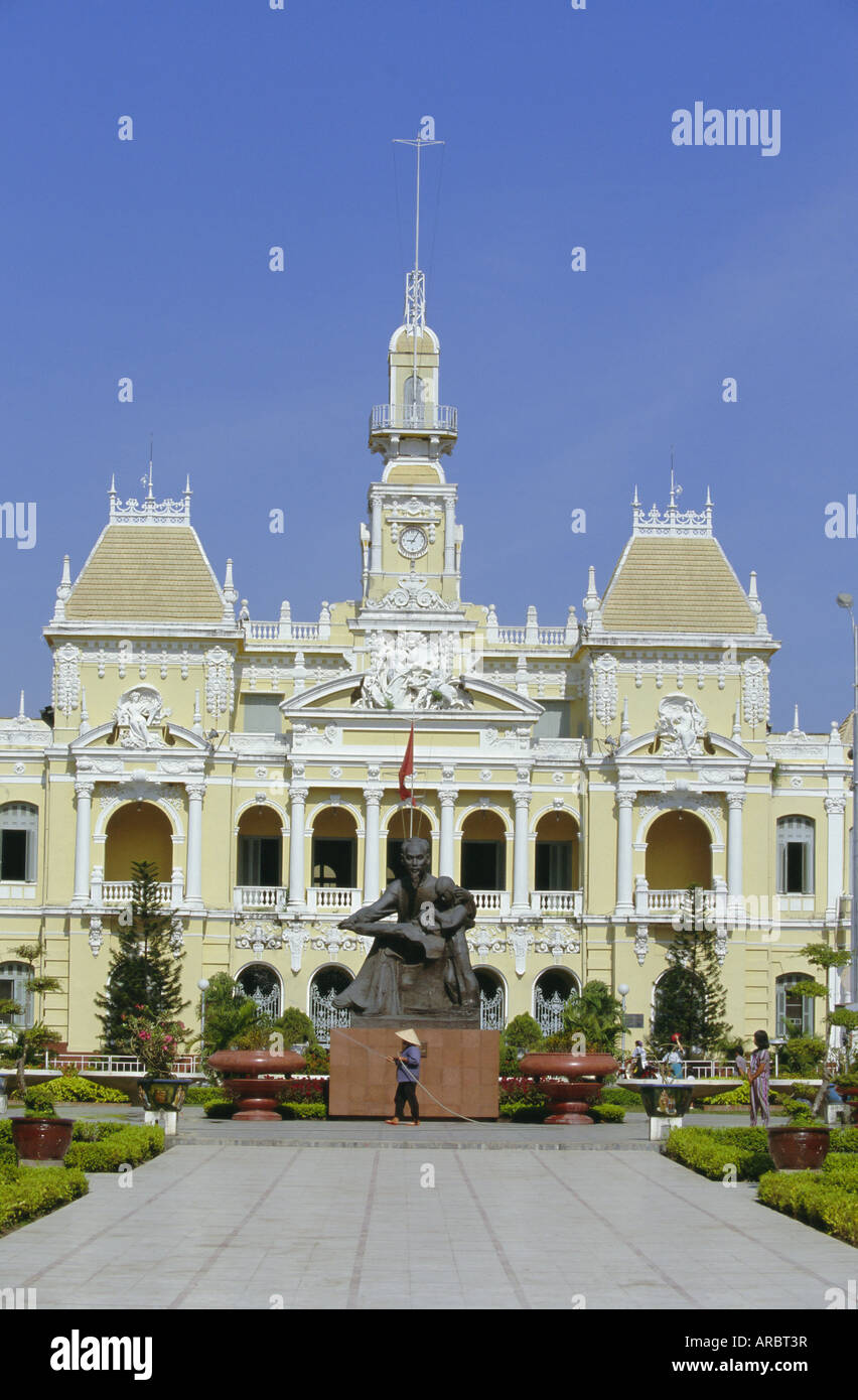 Hotel de Ville (City Hall), completed 1908, now houses Peoples Committee, Nguyen Hue Boulevard, Ho Chi Minh City, - Stock Image