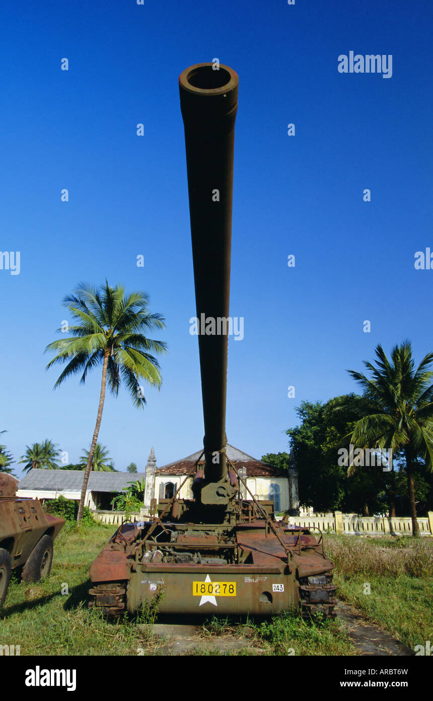 US self-propelled gun in military museum, Hue, Vietnam, Indochina, Southeast Asia - Stock Image