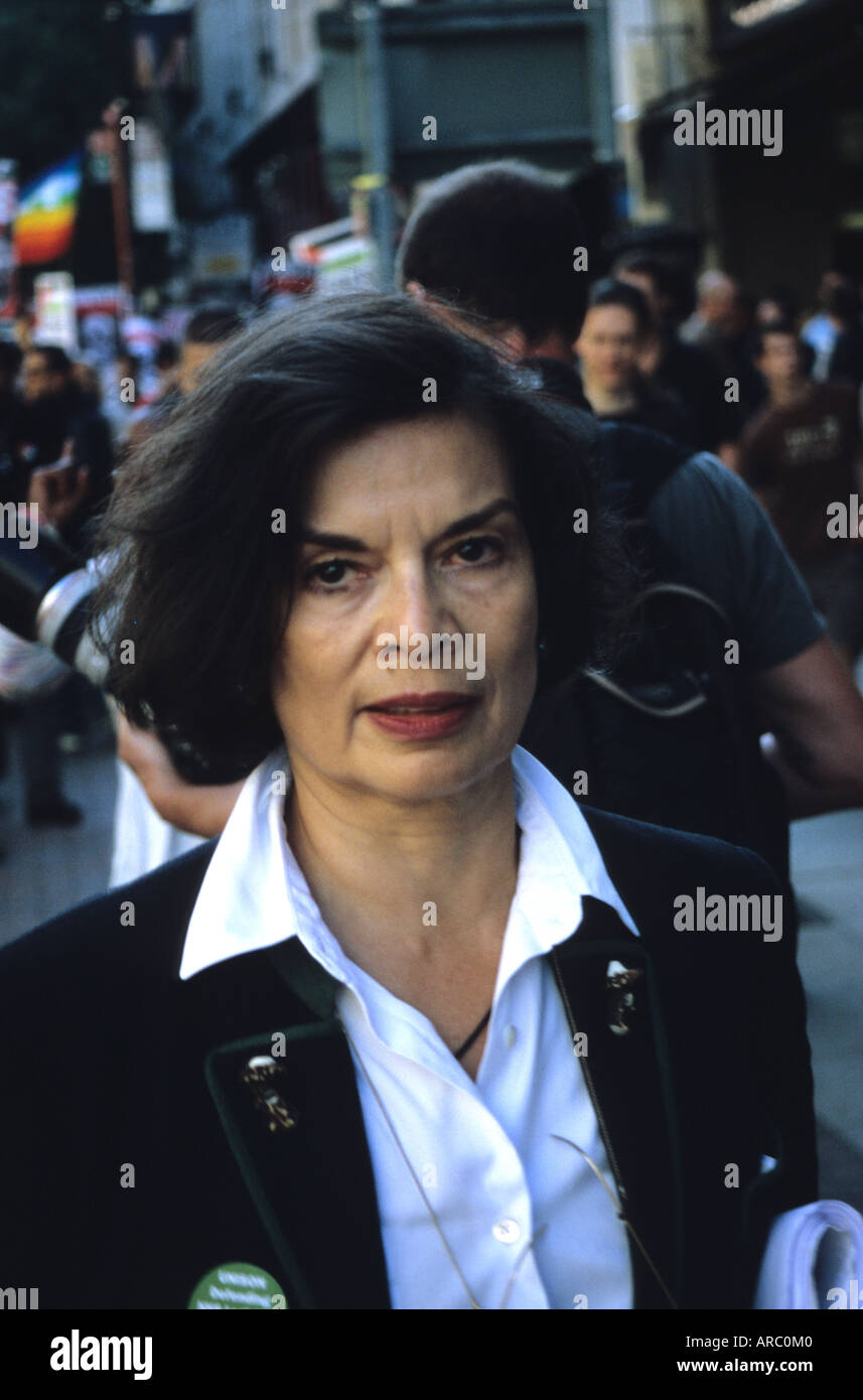 Bianca Jagger Attending Anti-war Demo In Manchester - Stock Image