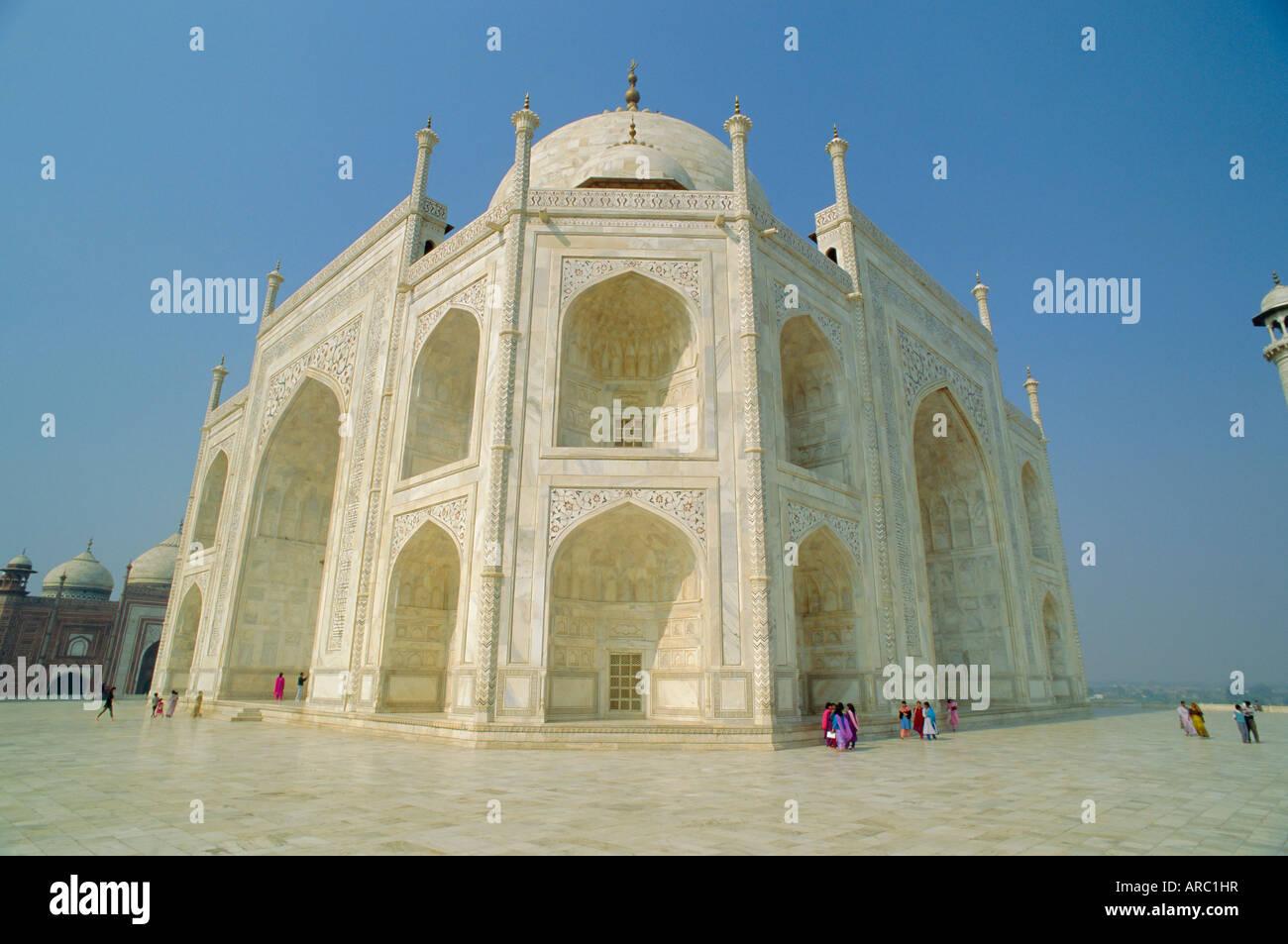 The Taj Mahal, built by the Moghul emperor Shah Jehan (Jahan), Agra, Uttar Pradesh, India - Stock Image