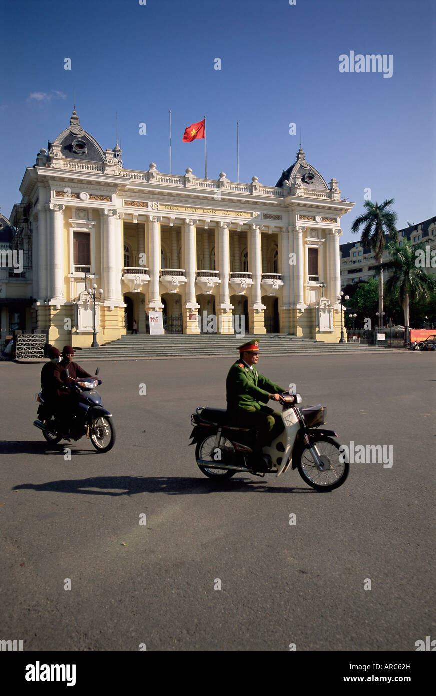 Exterior of the Opera House, Hanoi, Vietnam, Indochina, Southeast Asia, Asia - Stock Image