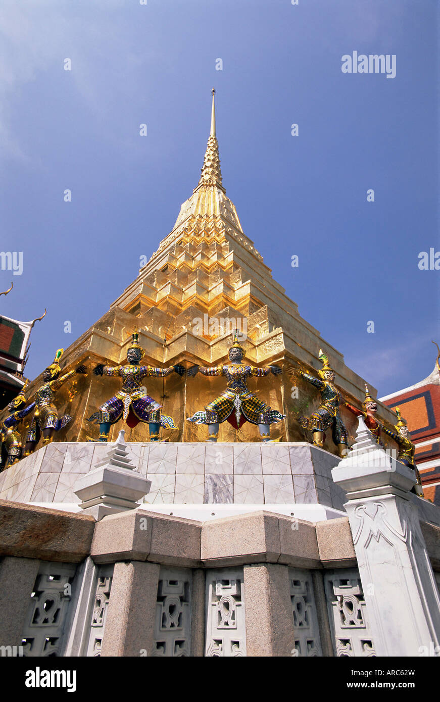 Golden spire, Temple of the Emerald Buddha (Wat Phra Kaew) in the Grand Palace, Bangkok, Thailand, Southeast Asia, - Stock Image