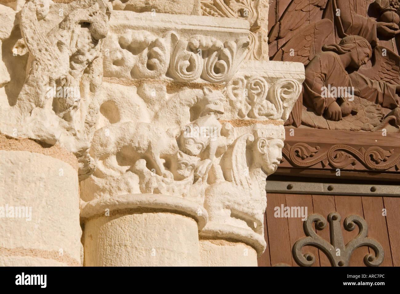 Column Capital Detail From West Front Of Eglise Notre Dame La Grande Stock Photo Alamy
