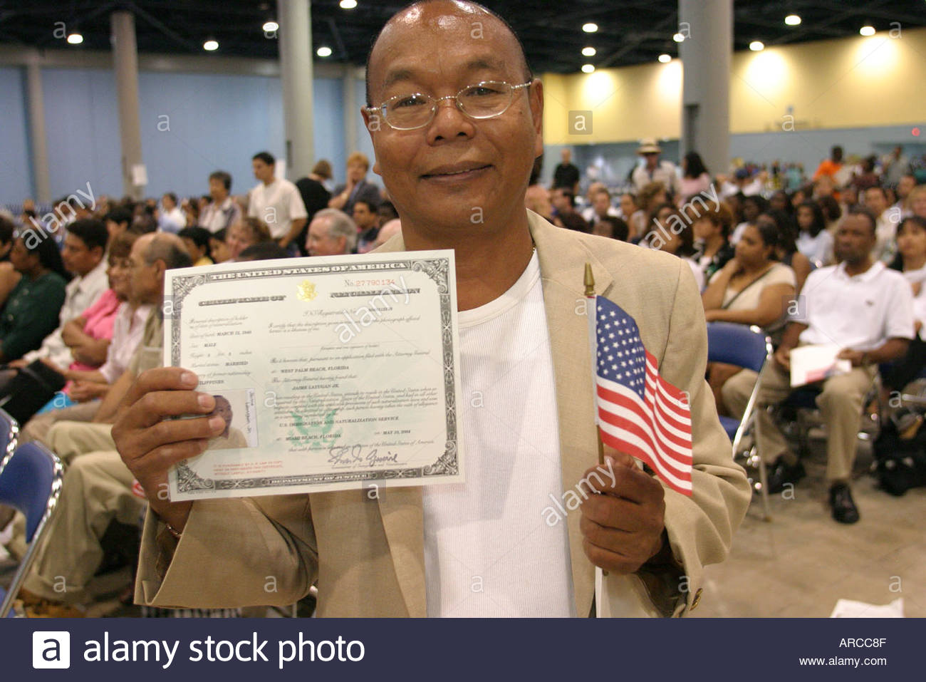 Us Certificate Of Citizenship Stock Photos Us Certificate Of