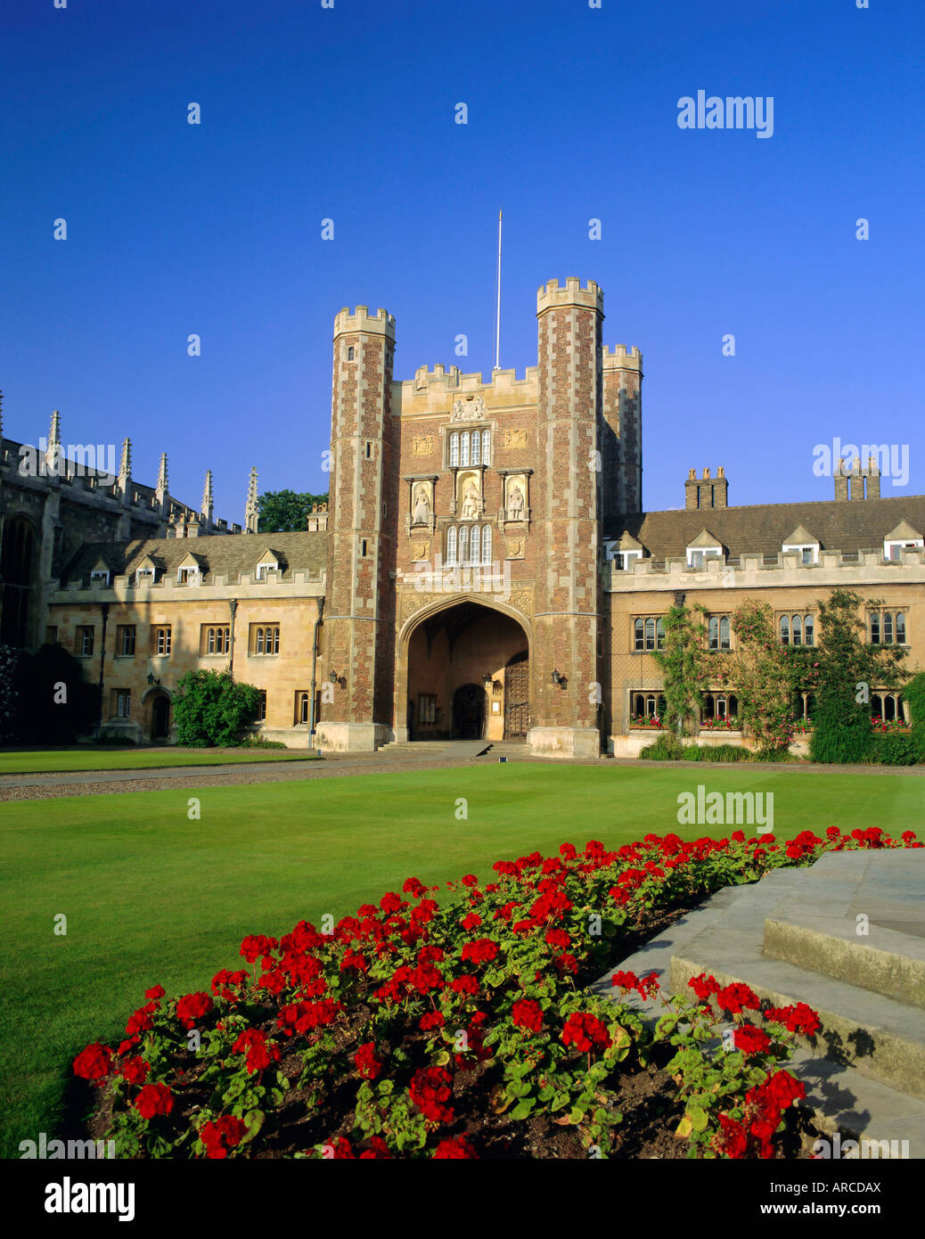 The Great Court, view to the Great Gate, Trinity College, Cambridge, Cambridgeshire, England, UK - Stock Image