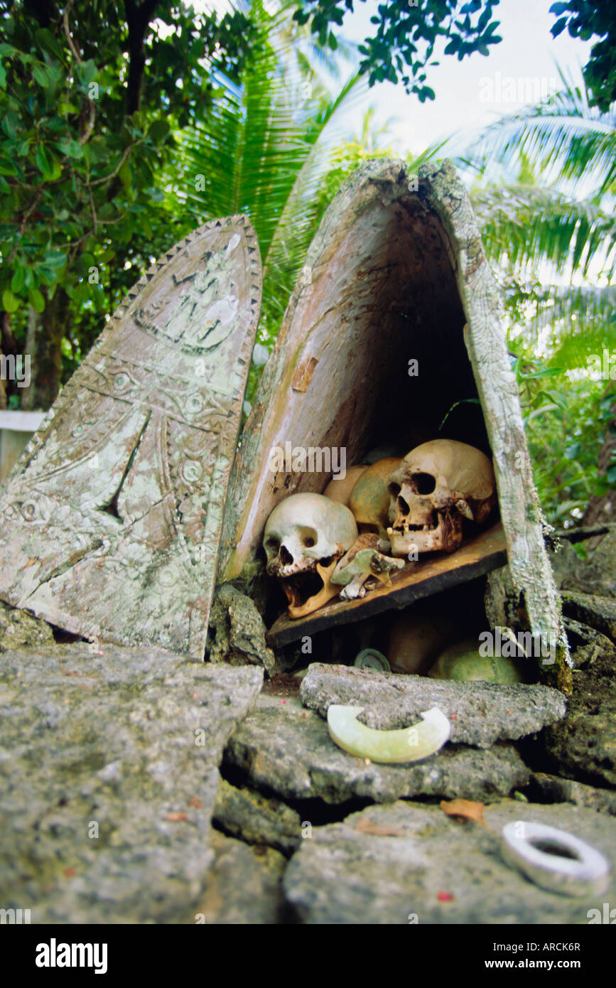 Soloman Islands, Skull Island In Roviana Lagoon Used By Local Village To Store Skulls Of Chiefs And Important Enemies - Stock Image