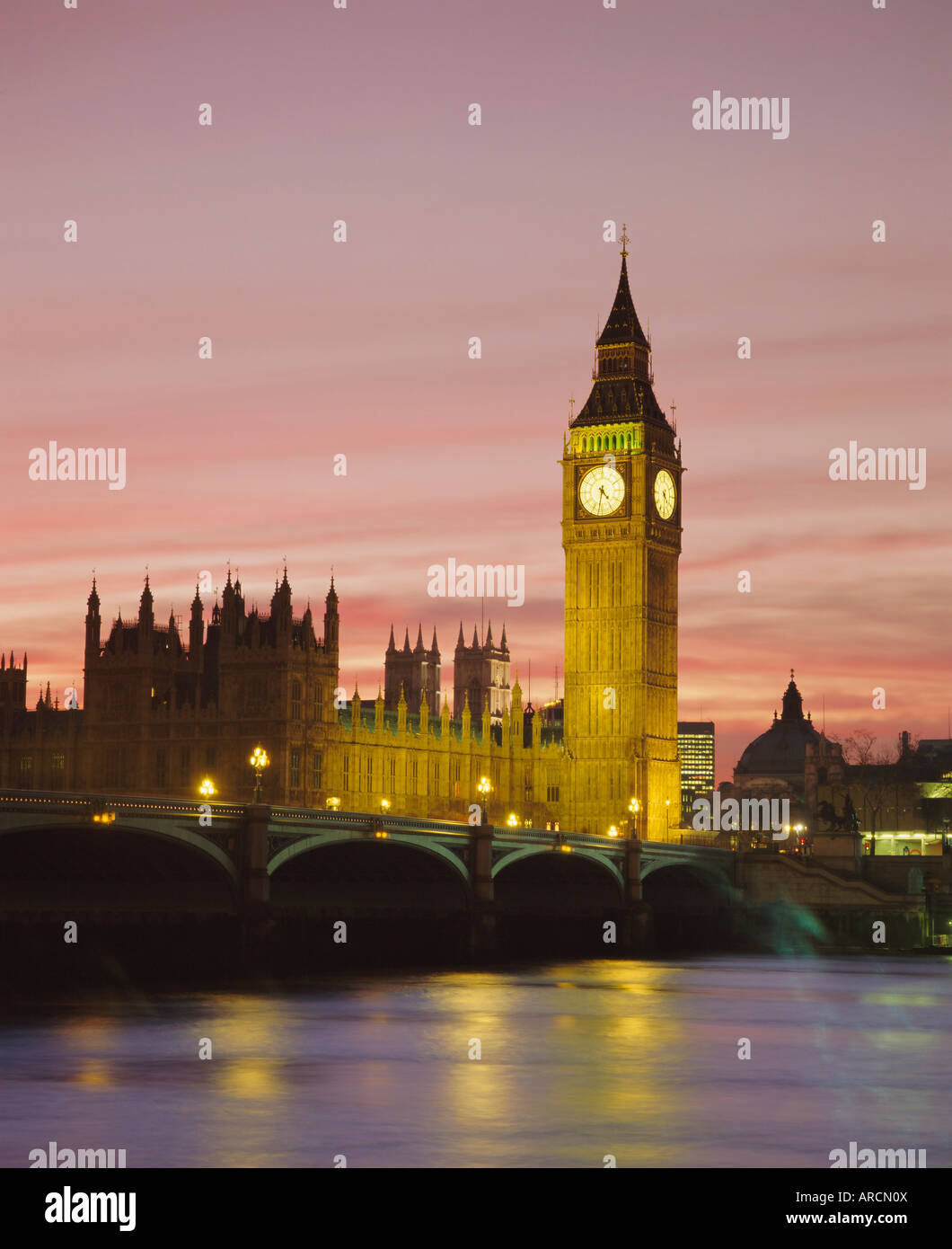 The River Thames, Westminster Bridge, Big Ben and the Houses of Parliament in the evening, London, England, UK Stock Photo