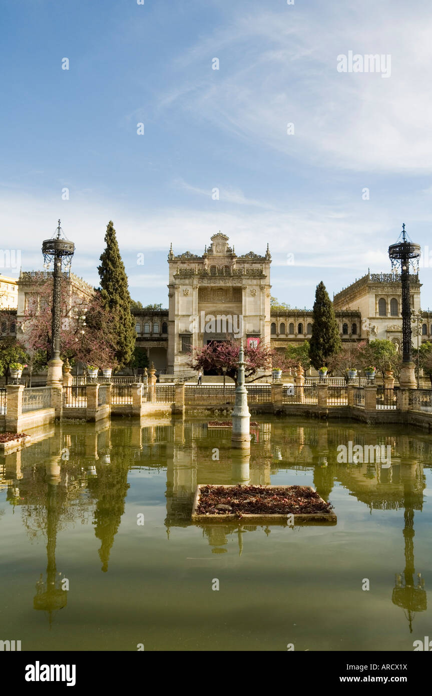 The Neo Renaissance Pavellon de las Bellas Artes, Plaza de America, Parque de Maria Luisa, Seville, Andalusia, Spain - Stock Image