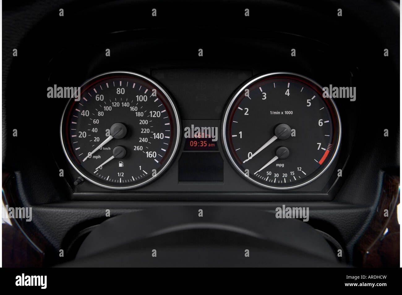 2006 BMW 3-Series 325xi in Silver - Speedometer/tachometer