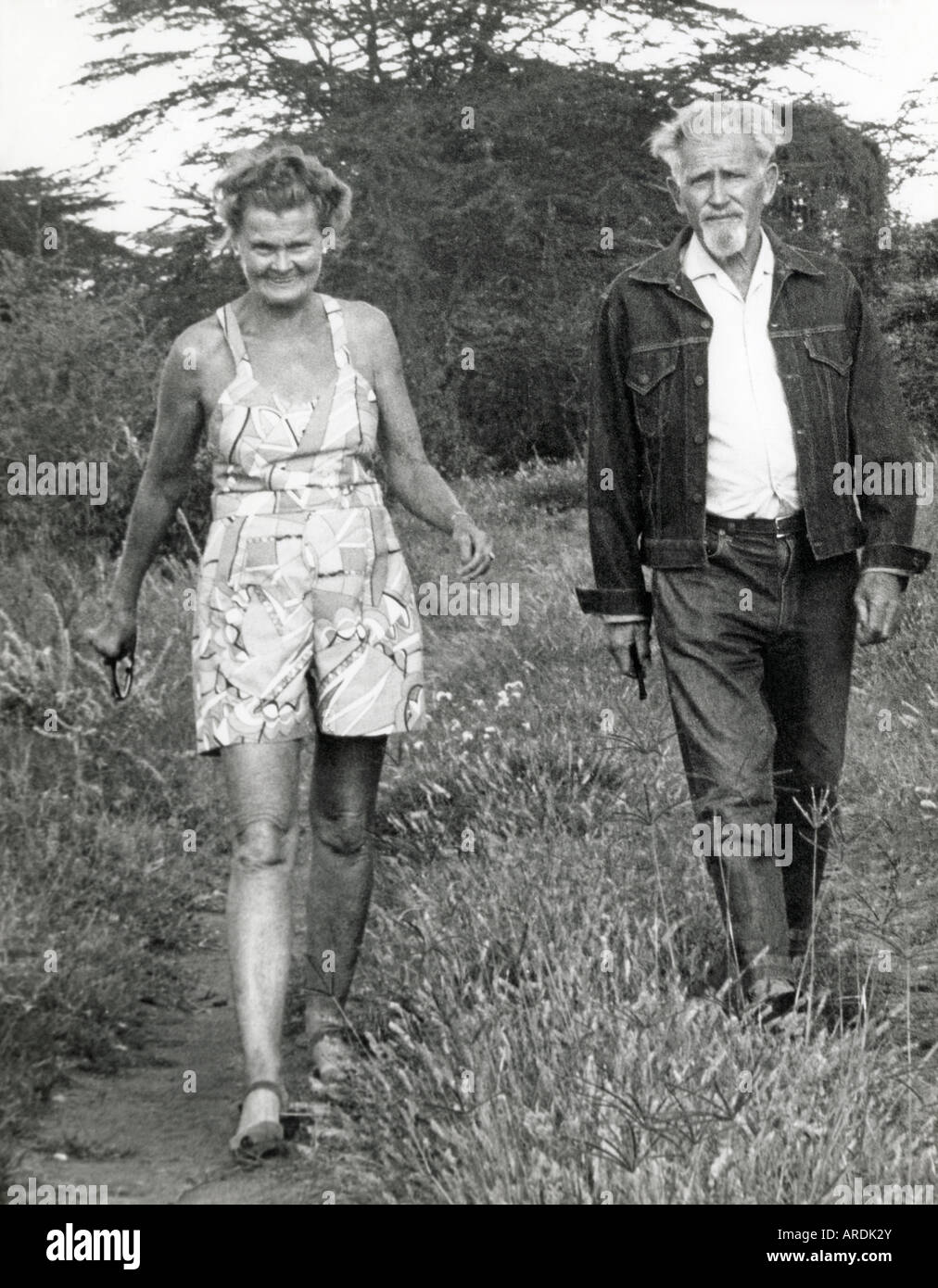 https://c8.alamy.com/comp/ARDK2Y/joy-and-george-adamson-were-famous-worldwide-for-their-work-to-free-ARDK2Y.jpg