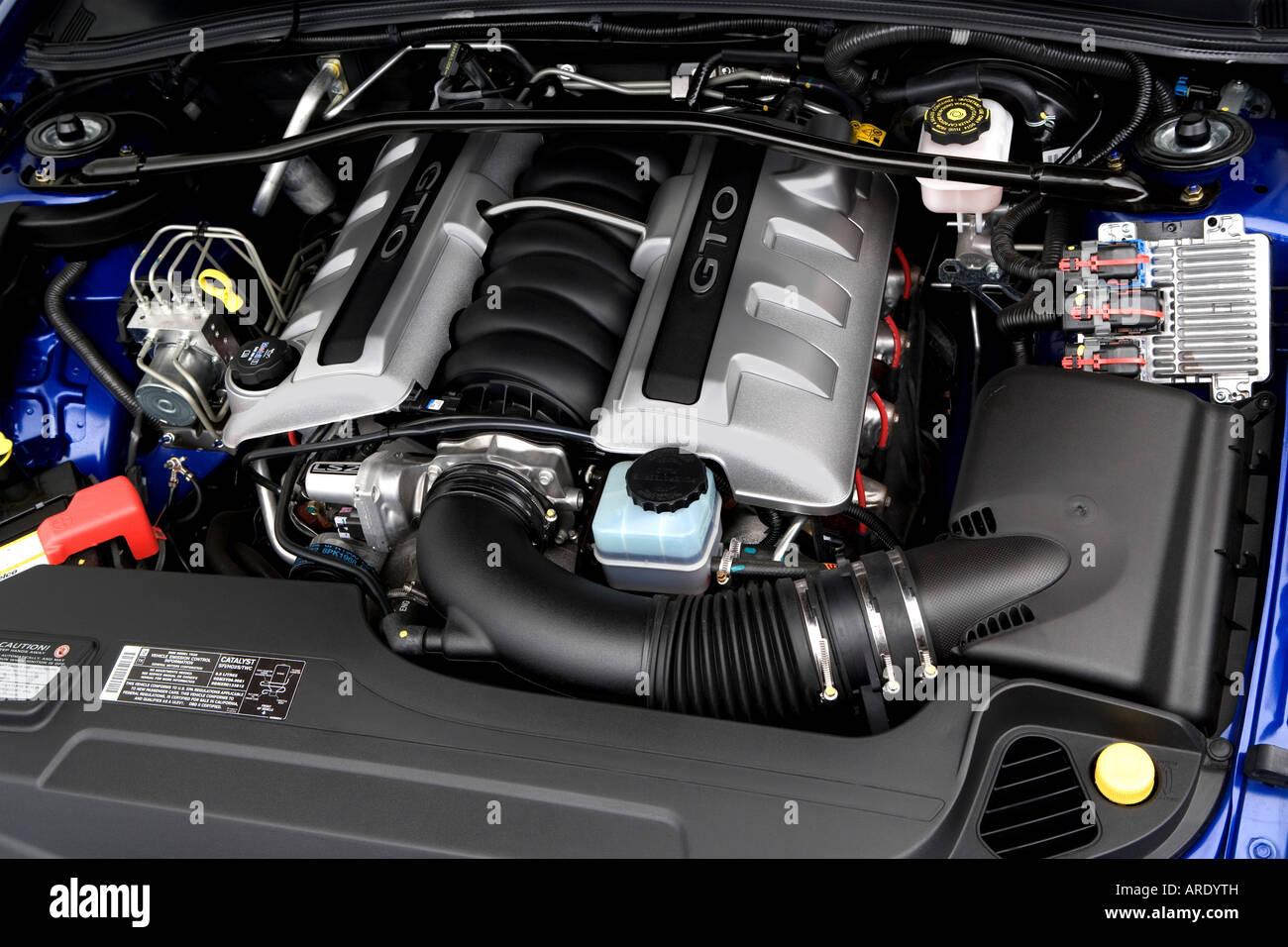 2006 Pontiac GTO in Blue - Engine Stock Photo: 16024912 - Alamy