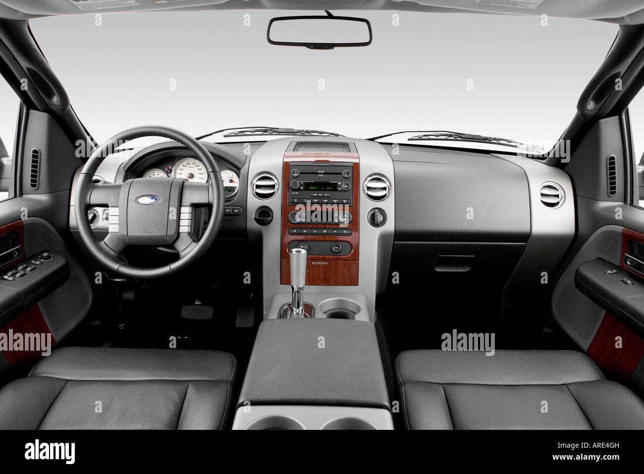2006 Ford F-150 Lariat in Black - Dashboard, center console, gear Stock Photo: 16026496 - Alamy