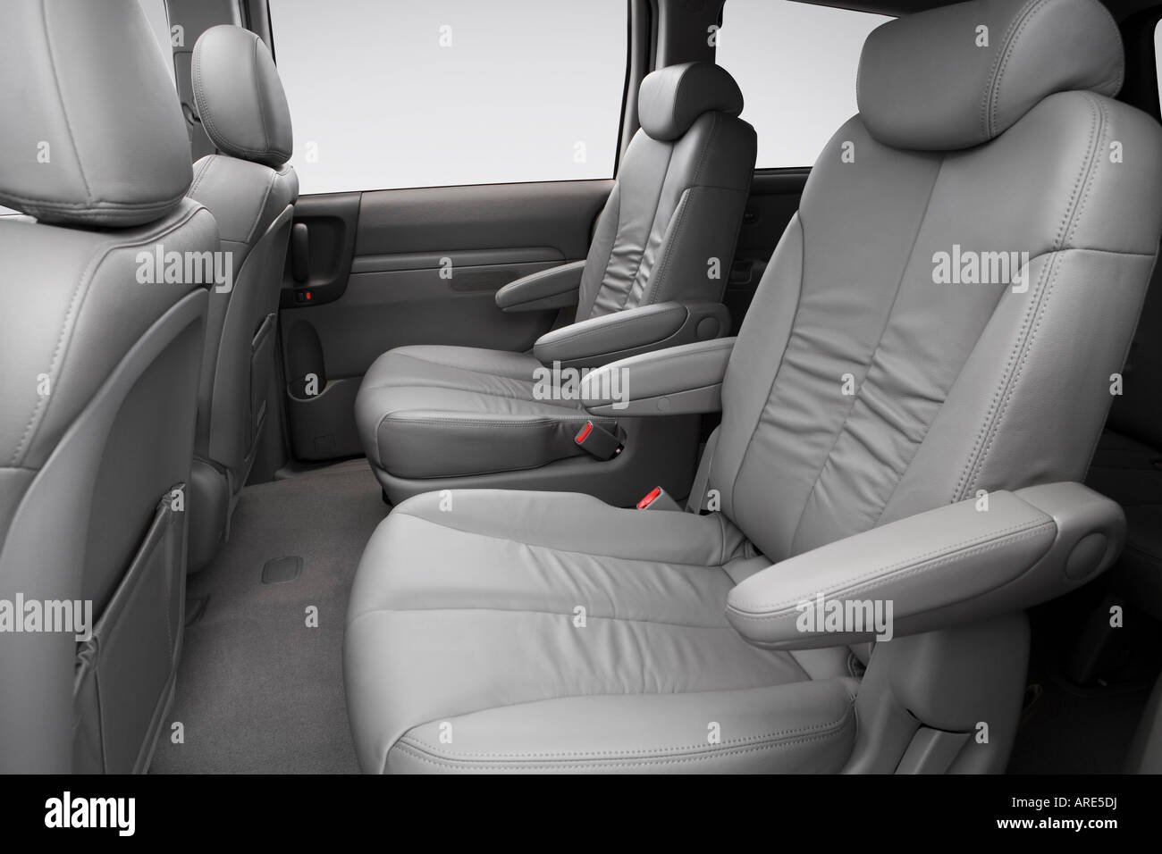 2006 Kia Sedona Ex In Silver Rear Seats Stock Photo 16026797 Alamy