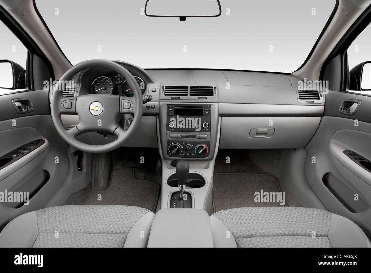 Cobalt chevy cobalt 2006 : 2006 Chevrolet Cobalt LT in Blue - Dashboard, center console, gear ...