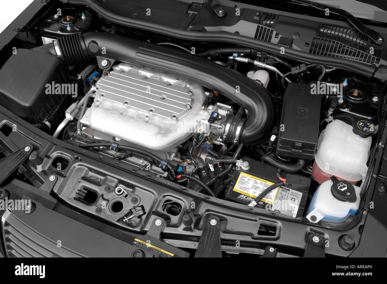 2006 Saturn Vue V6 AWD in Black - Engine Stock Photo: 16028593 - Alamy