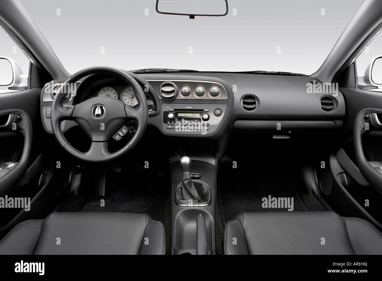 2006 acura rsx type s in silver dashboard center console gear