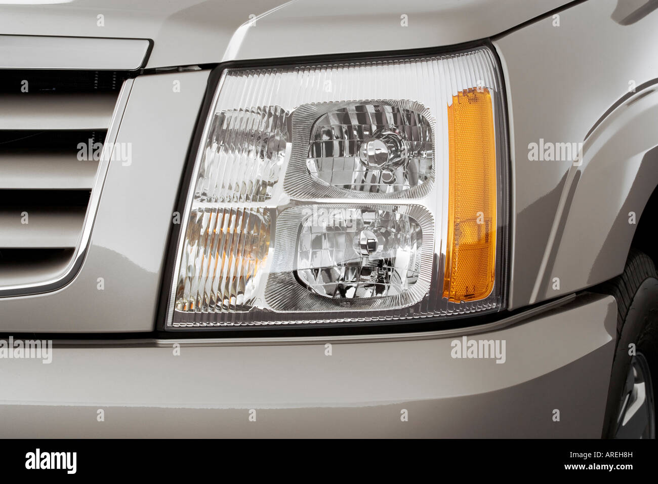 2006 Cadillac Escalade ESV in Silver - Headlight Stock Photo ... on escalade led headlights, escalade on 28s, escalade grill, escalade led lights for an inner,