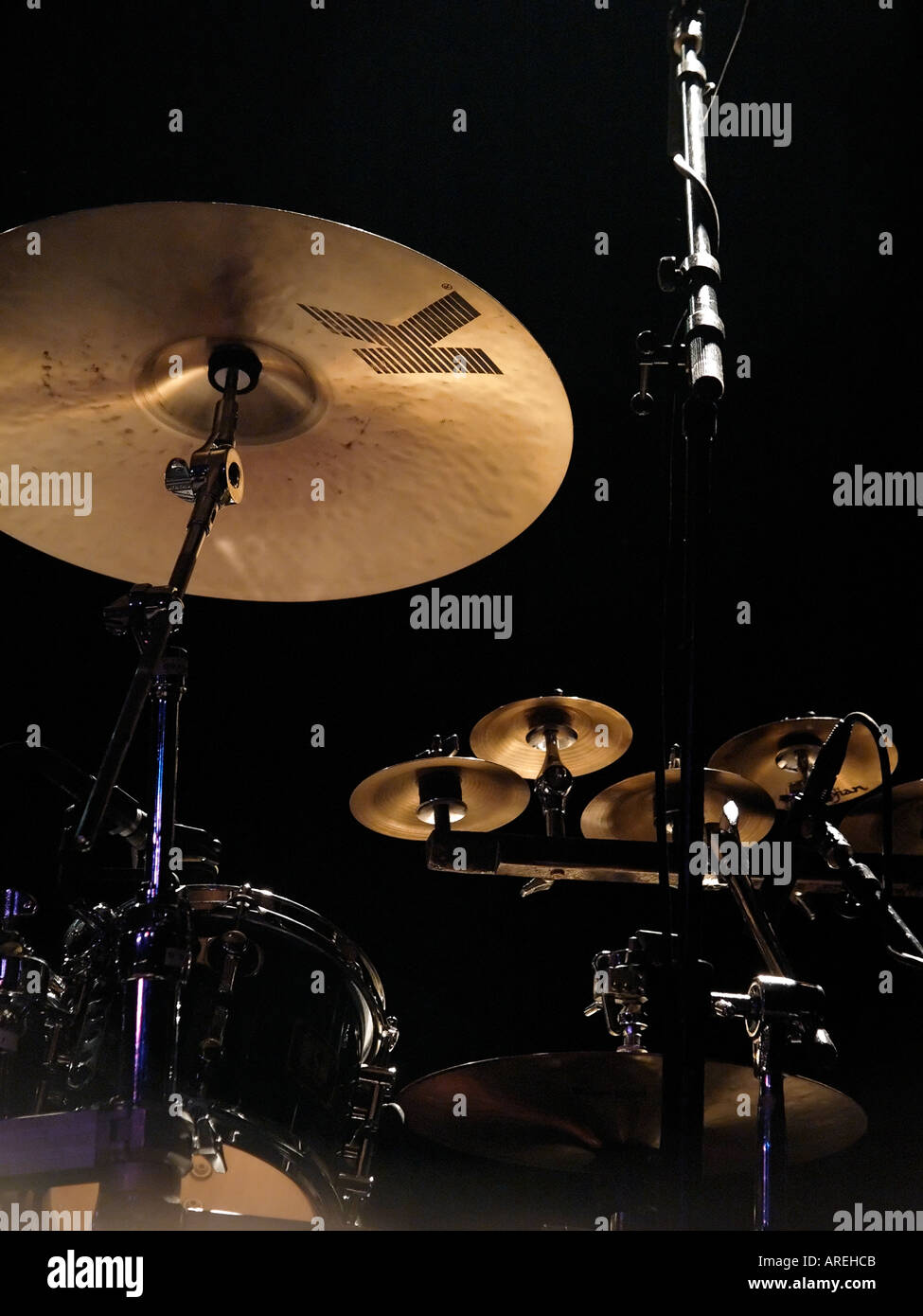 Detail view of drum set on stage before a concert - Stock Image