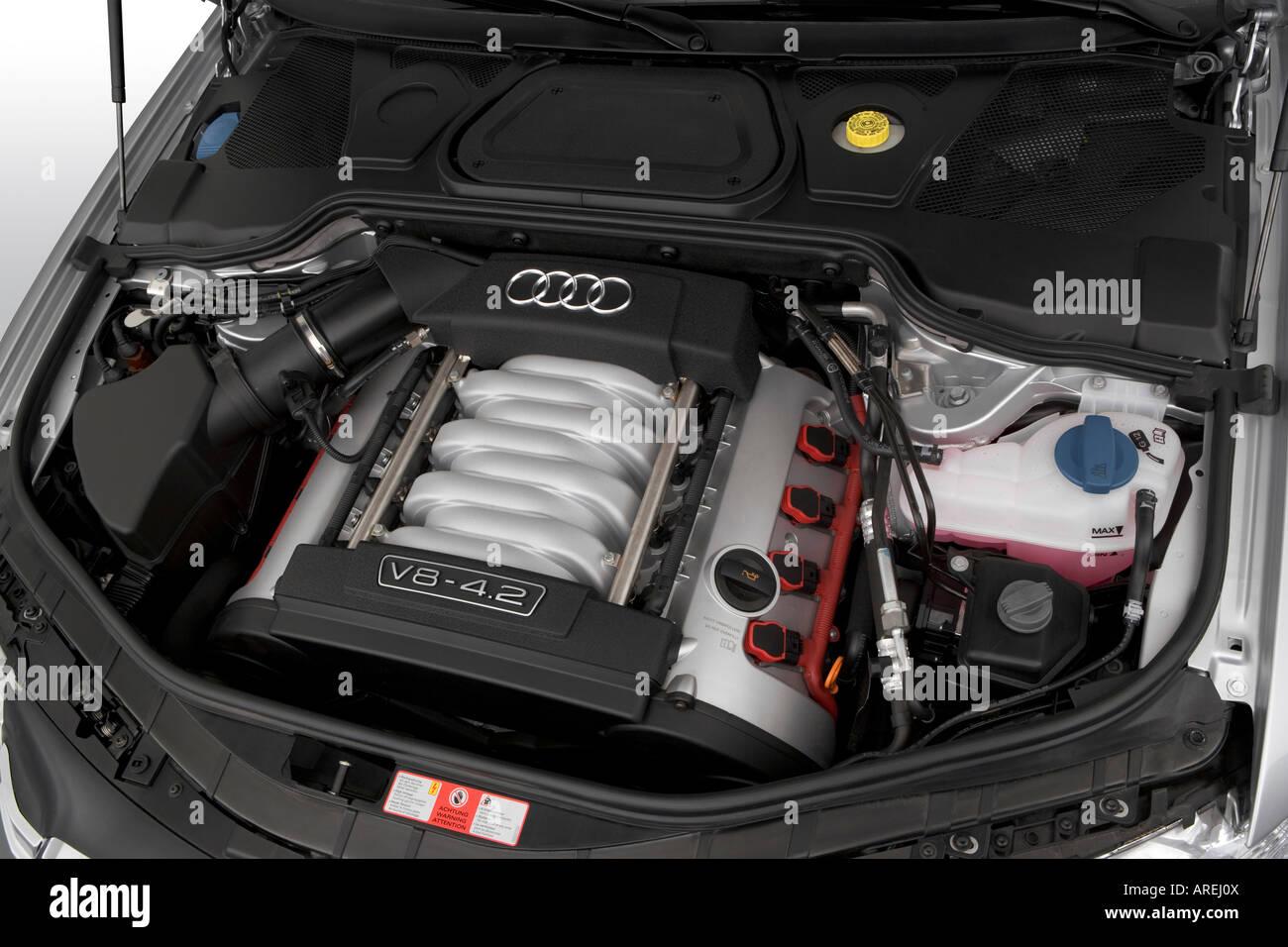Kelebihan Audi 4.2 V8 Harga