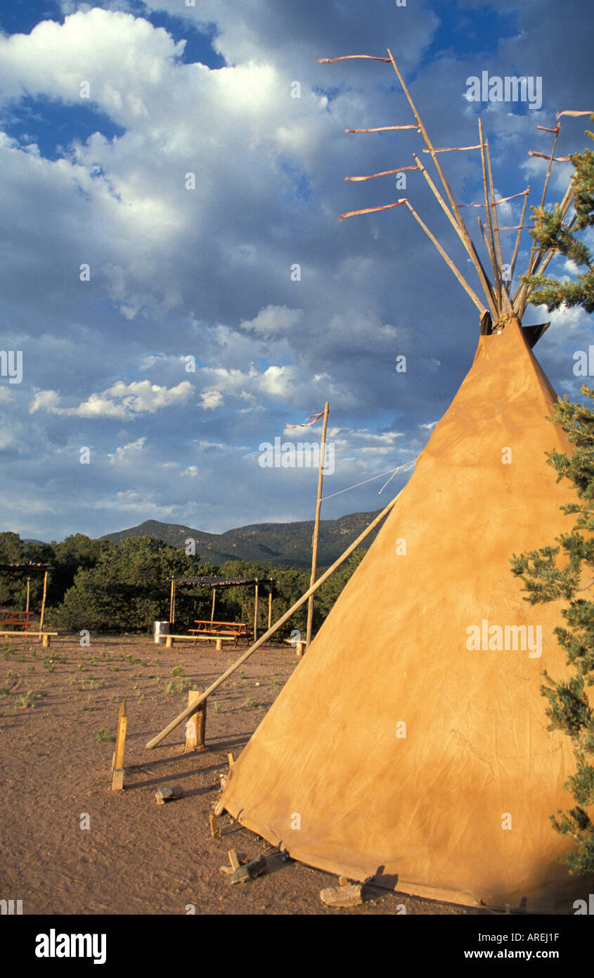 Santa Fe New Mexico indian teepee in golden sunlight Wheelwright Museum of the American Indian - Stock Image