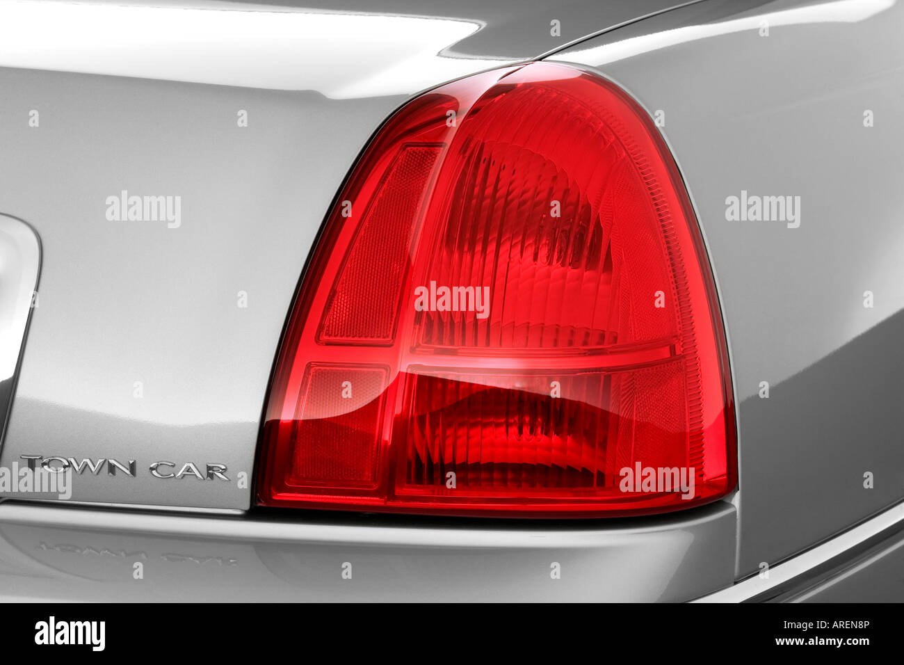 2006 Lincoln Town Car Signature In Silver Tail Light Stock Photo