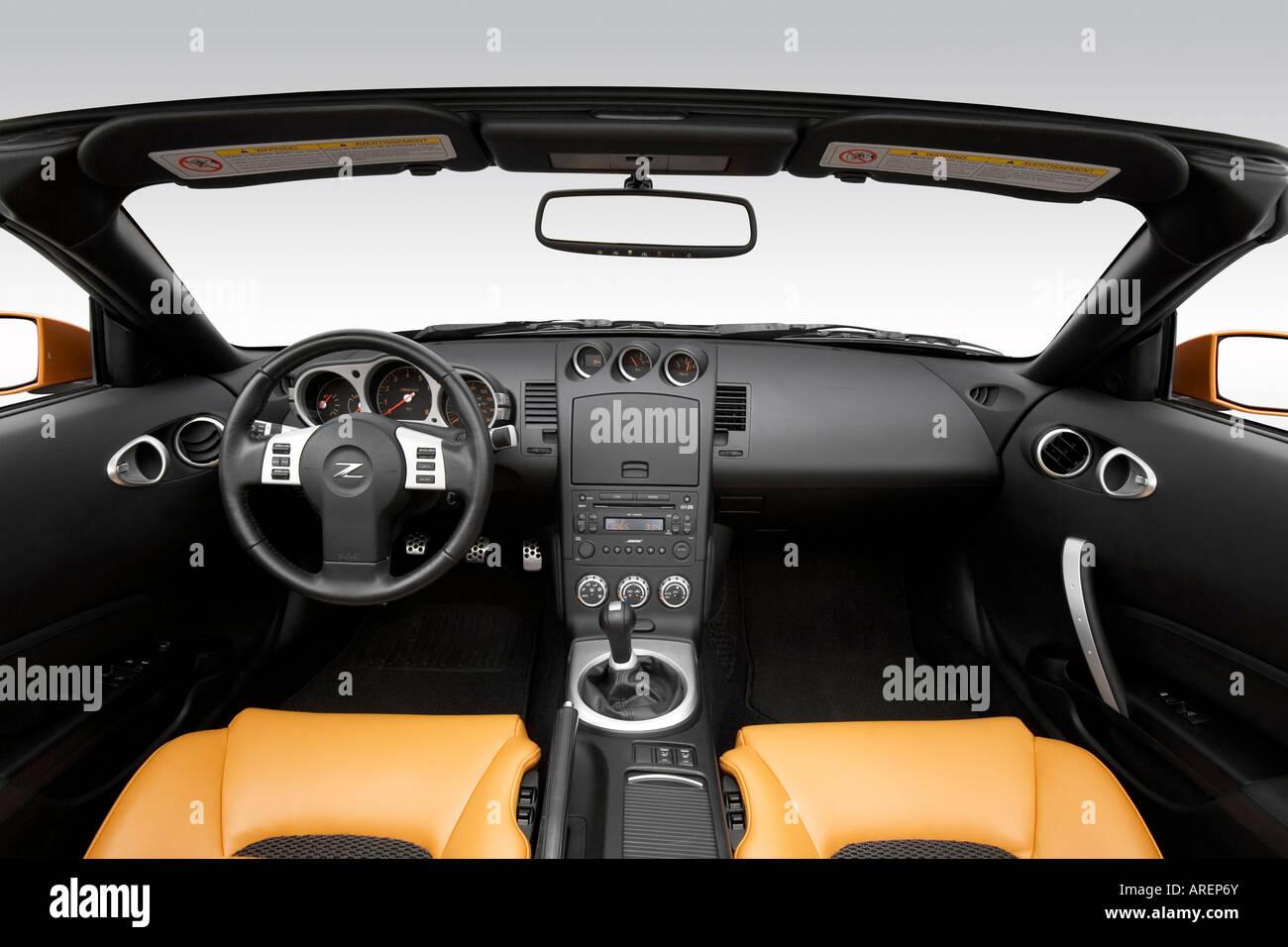 2006 nissan 350z roadster grand touring in orange dashboard