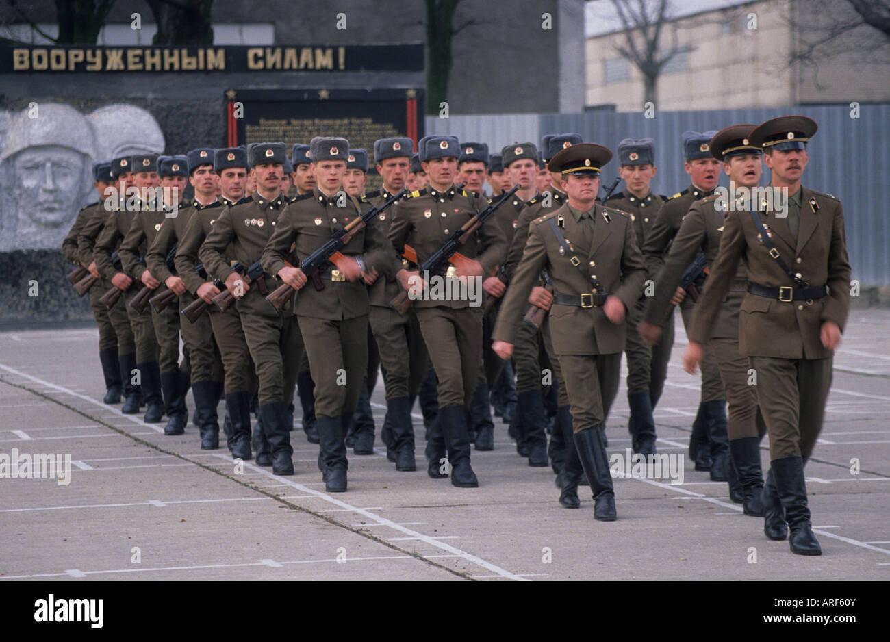 russian soldiers march barracks frankfurt oder eastern germany stock photo 16036394 alamy. Black Bedroom Furniture Sets. Home Design Ideas