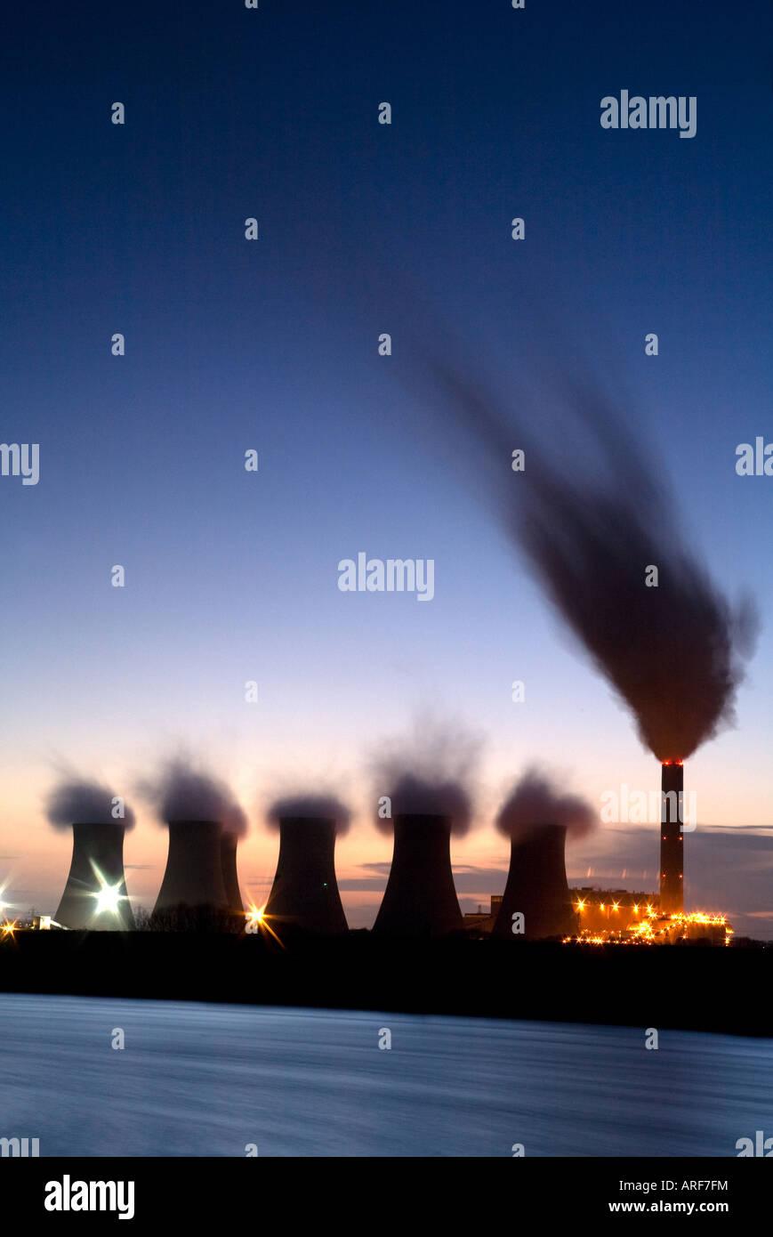 Cottam Coal fired Power Station on River Trent England - Stock Image