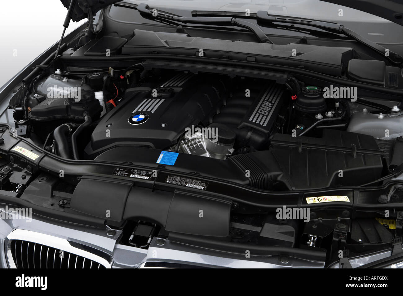 2007 BMW 3-series 328i in Gray - Engine Stock Photo: 16039909 - Alamy
