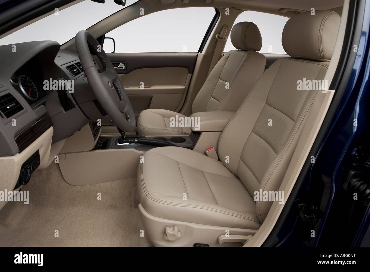 2007 ford fusion sel v6 in blue front seats