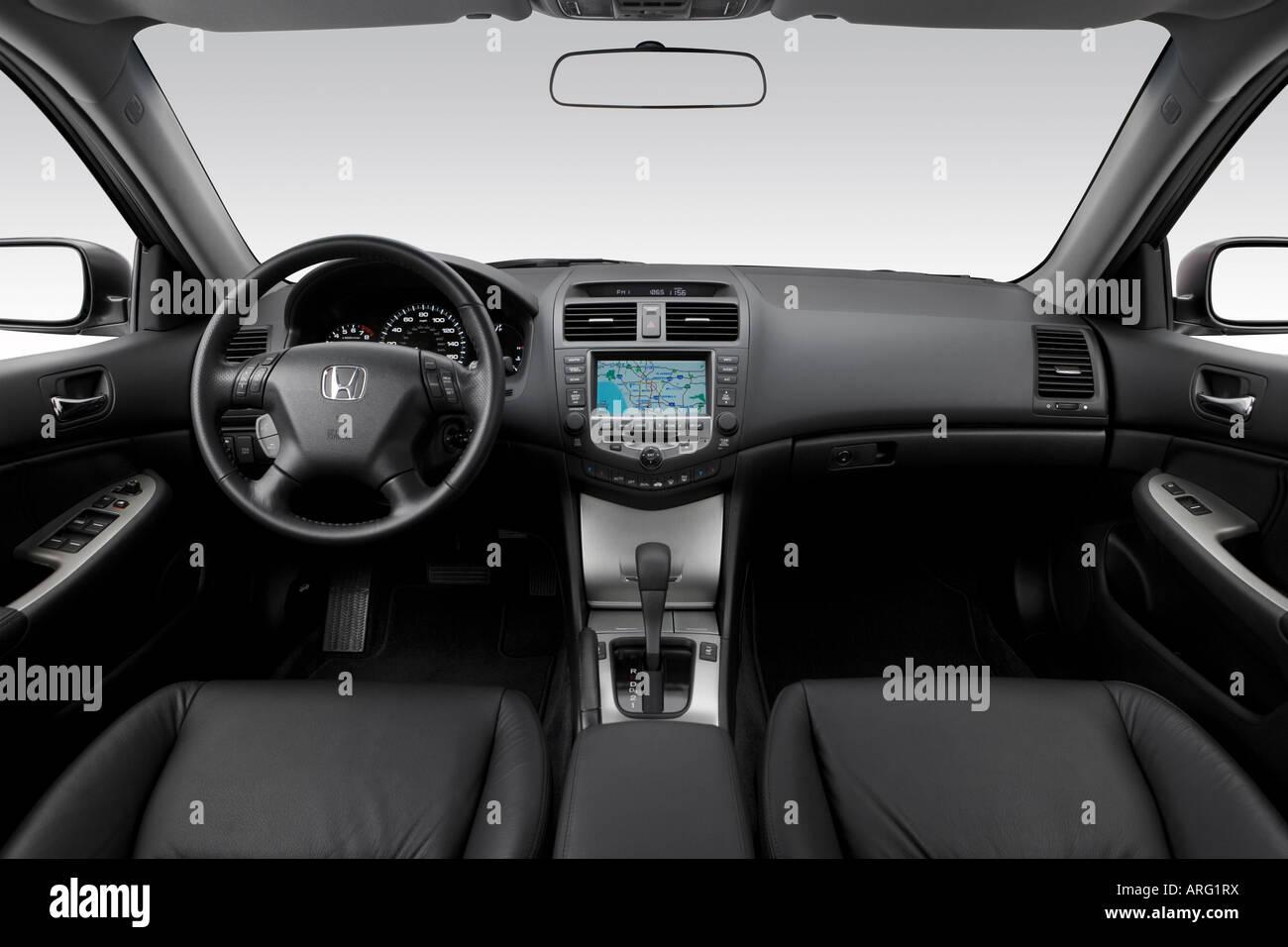 2007 Honda Accord EX L V6 In Silver   Dashboard, Center Console, Gear