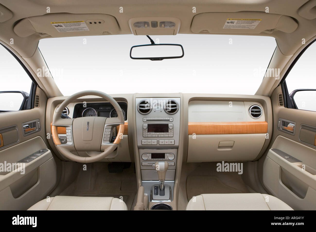 2007 Lincoln MKZ in Green - Dashboard, center console, gear shifter ...