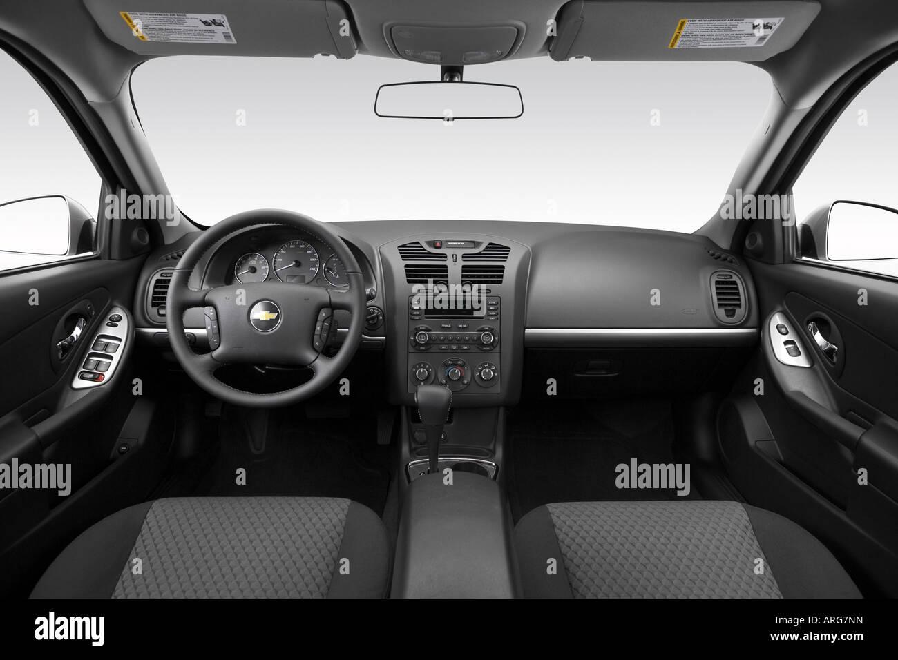2007 Chevrolet Malibu Maxx LT in Silver - Dashboard, center ...