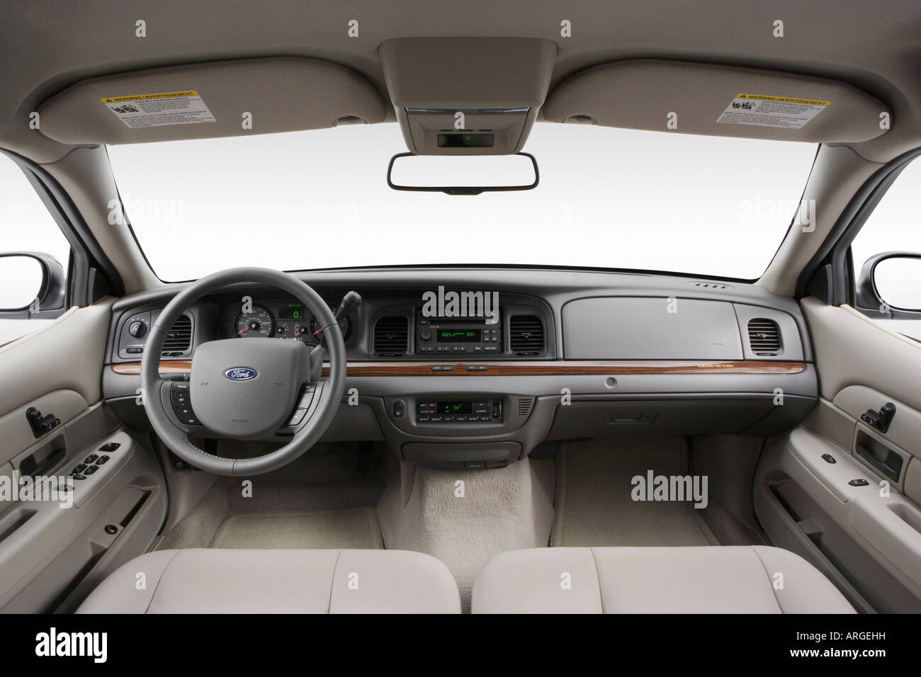 2007 ford crown victoria lx in silver dashboard center. Black Bedroom Furniture Sets. Home Design Ideas
