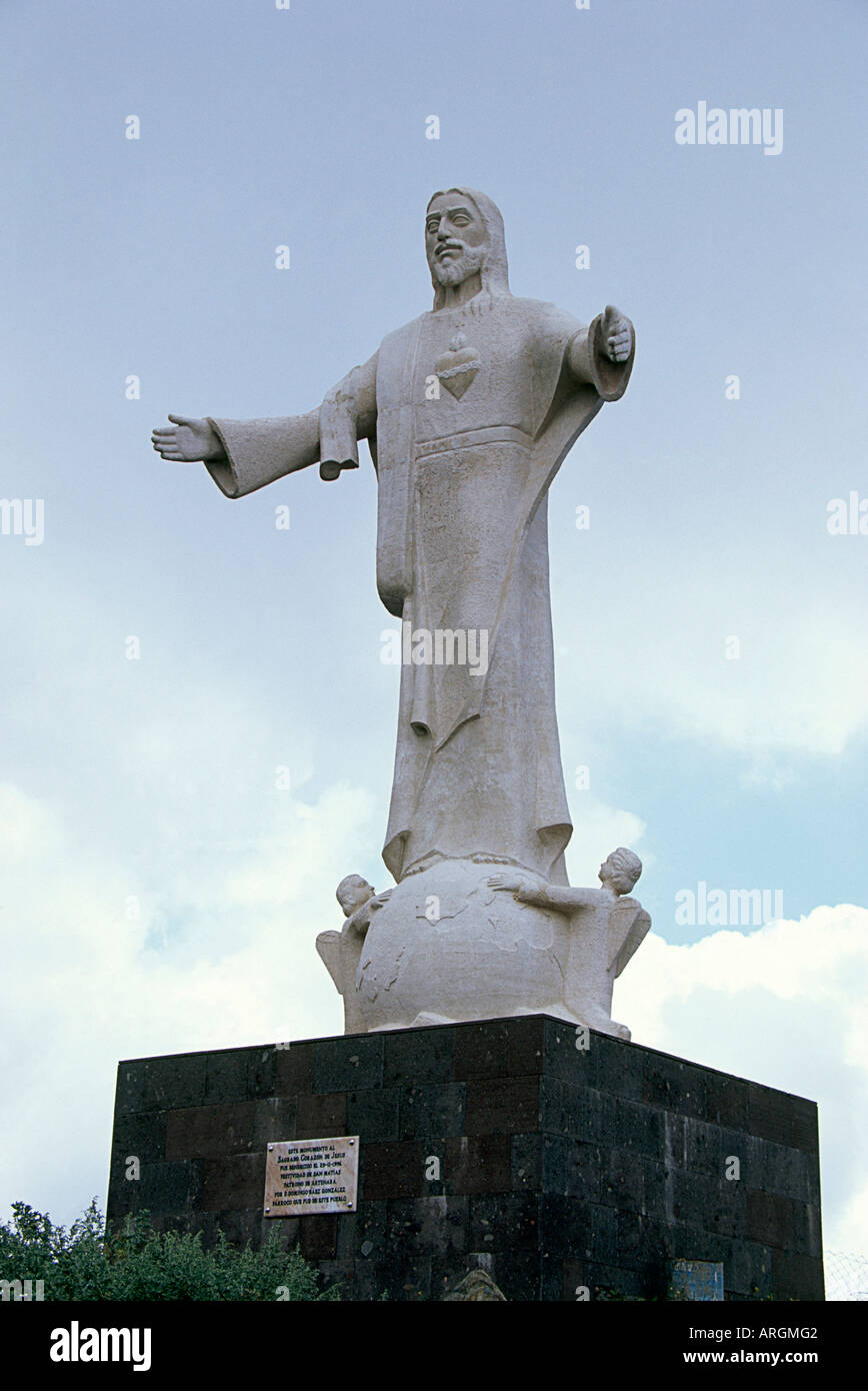 A Statue Of Jesus In Long White Robes With His Arms Outstretched Stock Photo Alamy