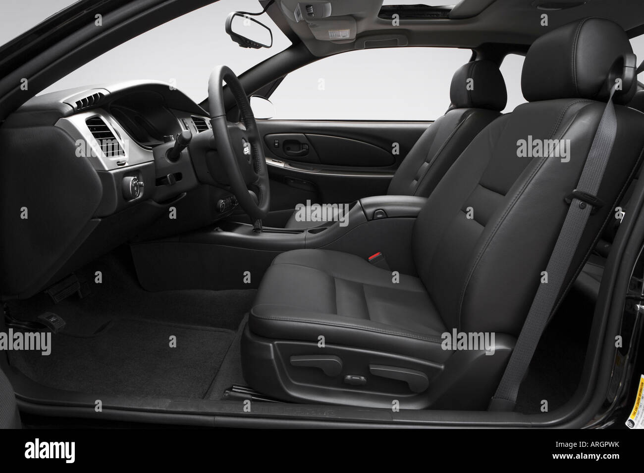 2007 Chevrolet Monte Carlo SS In Black   Front Seats
