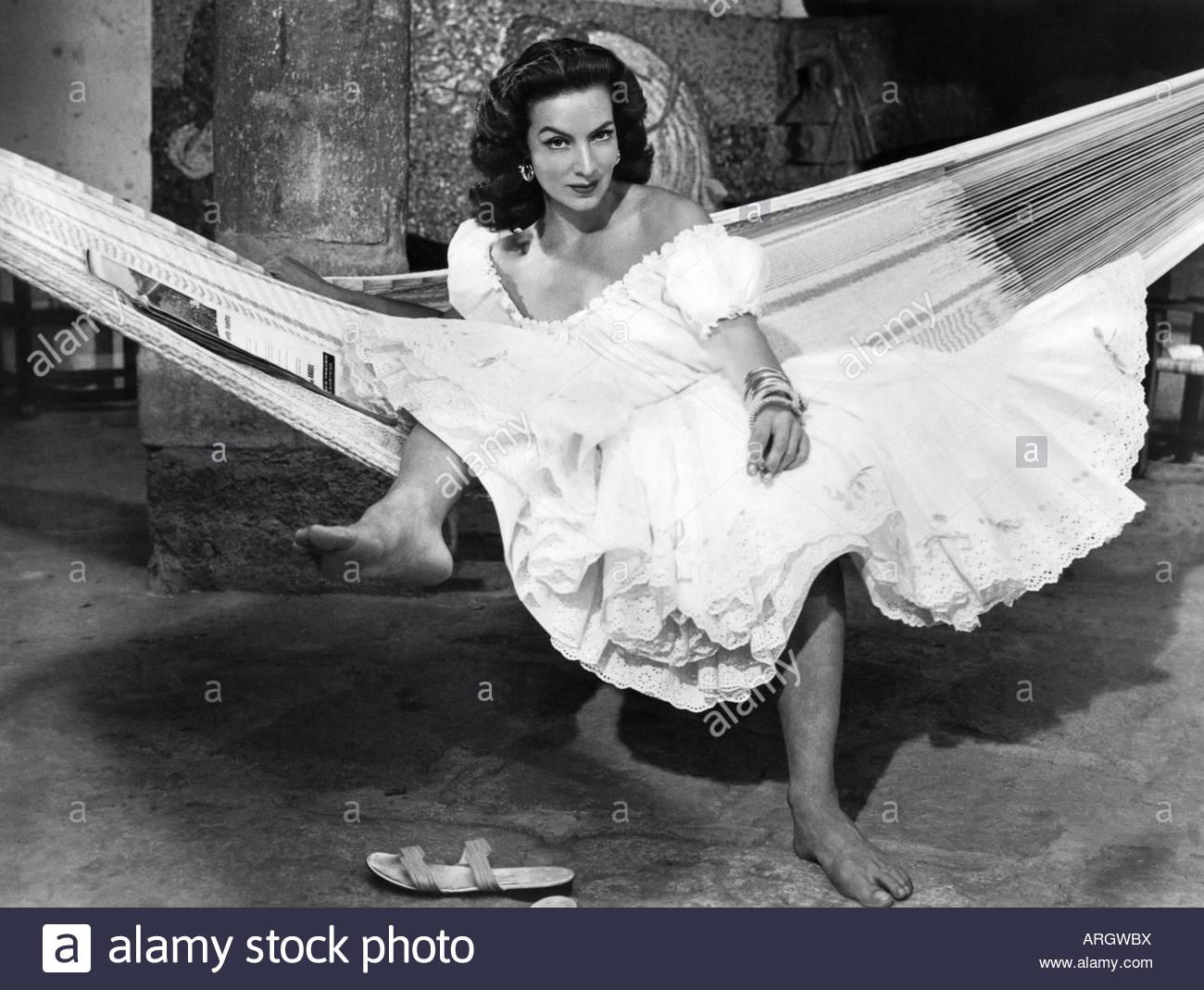 Felix, Maria, 8.4.1914 - 8.4.2002, Mexican actress, full length, scene, in movie, 'Canasta de cuentos mexicanos', - Stock Image