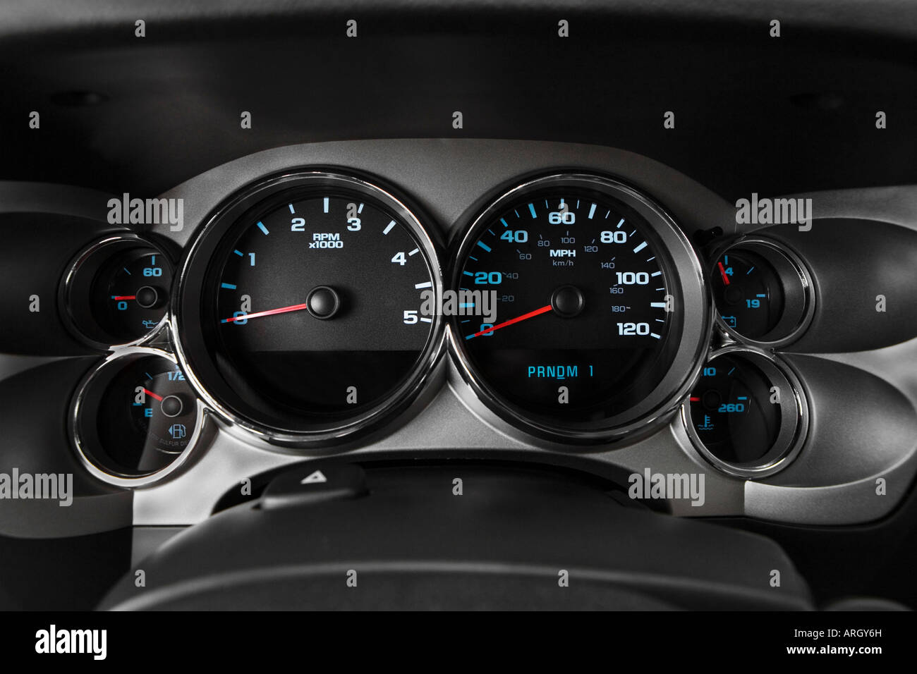 Silverado 2500 Stock Photos Images Alamy 2007 2500hd Fuel Filter Chevrolet Lt In Gray Speedometer Tachometer Image
