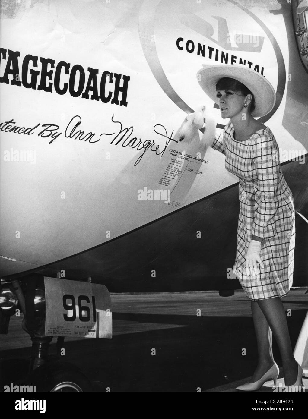 Ann-Margret, * 28.4.1941, Swedish actress, launching airplane, 'Stagecoach', 1966, 1960s, birth name Ann - Stock Image