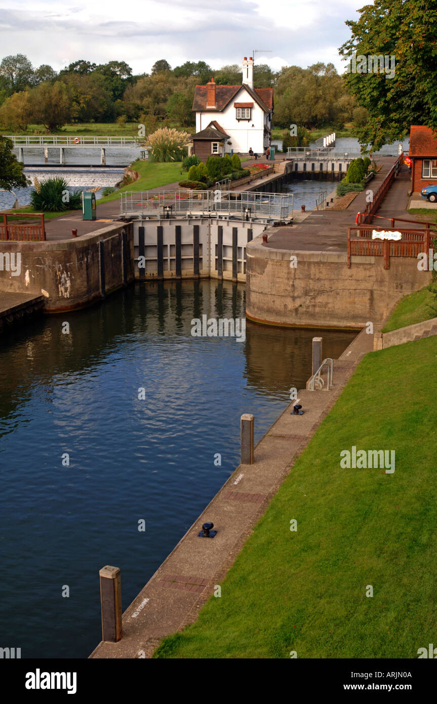 The lock at Goring on the River Thames Oxfordshire England UK - Stock Image