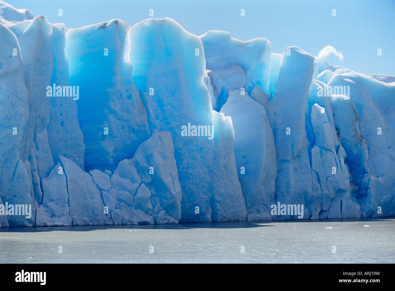 Icebergs, Lake Gray, Torres del Paine National Park, Patagonia, Chile, South America - Stock Image