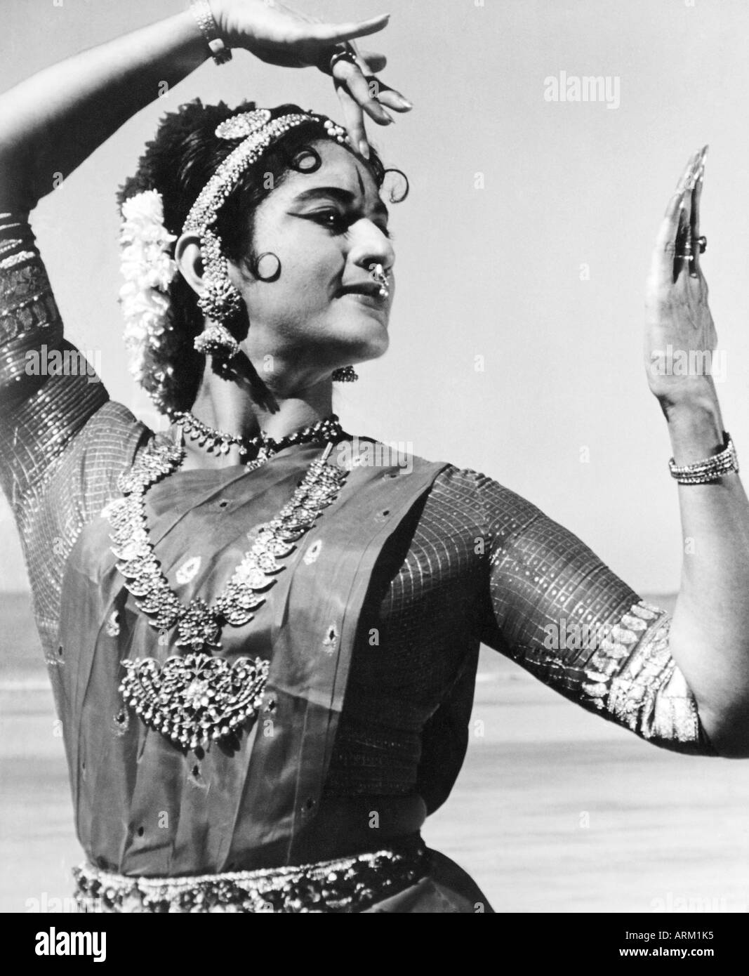 Indian Classical Dancer Doing Bharatnatyam High Resolution Stock Photography And Images Alamy