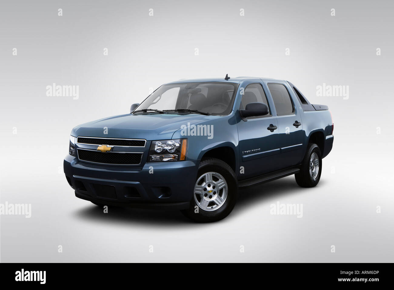 Avalanche 2008 chevrolet avalanche : 2008 Chevrolet Avalanche LS in Blue - Front angle view Stock Photo ...