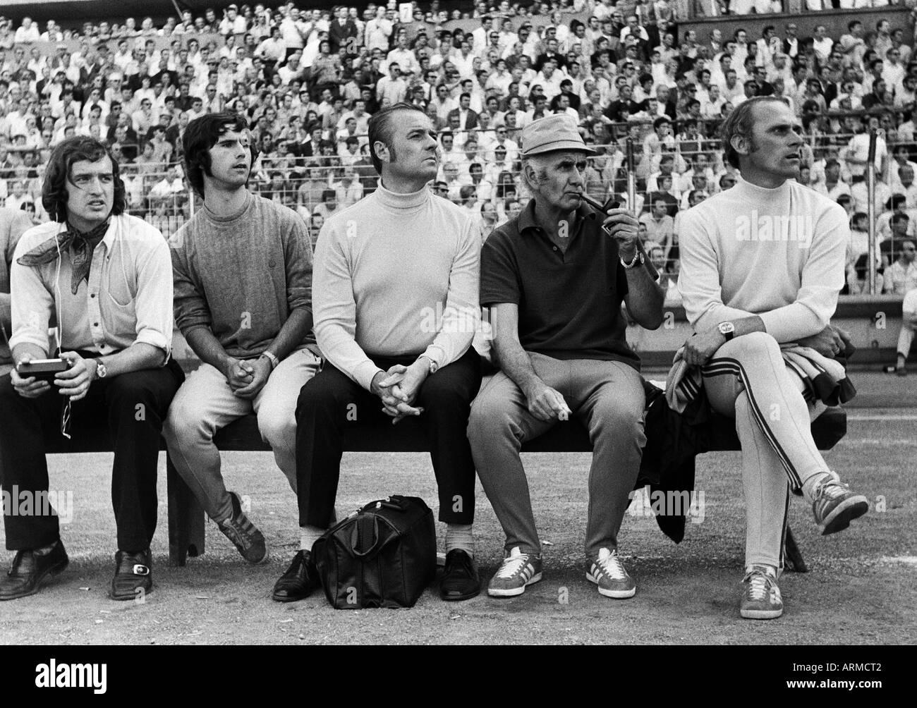 football, Bundesliga, 1970/1971, MSV Duisburg versus FC Bayern Munich 2:0, Wedau Stadium in Duisburg, coaching bench Stock Photo