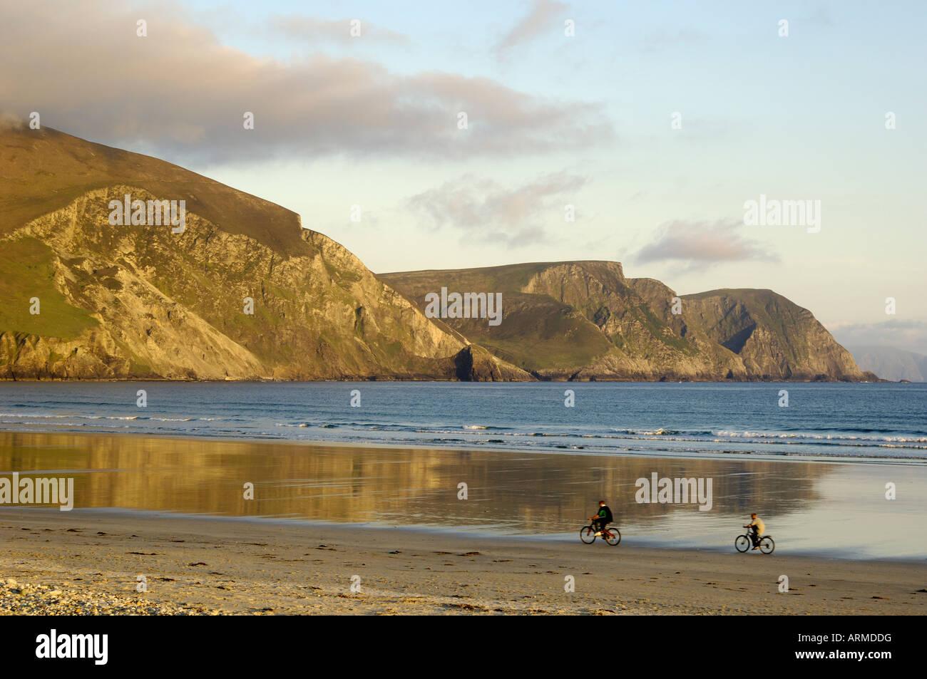 Minaun Cliffs from Keel beach, Achill Island, County Mayo, Connacht, Republic of Ireland (Eire), Europe - Stock Image