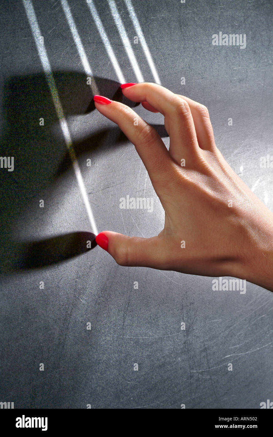 fingernails scratching a chalkboard Stock Photo: 2987265 - Alamy