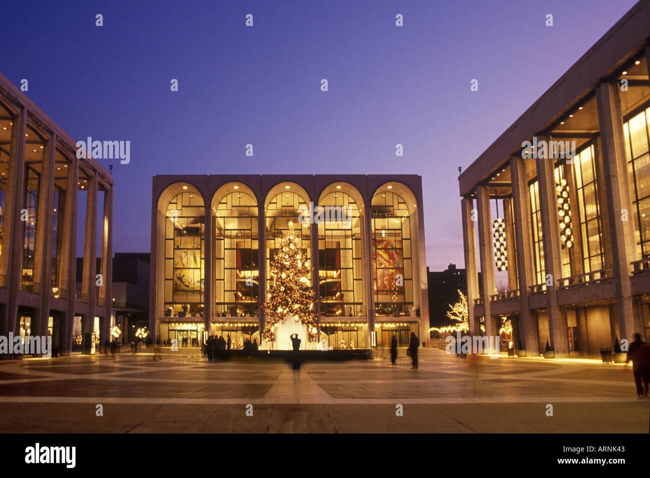 Enjoyable Lincoln Center For The Performing Arts Metropolitan Opera Home Interior And Landscaping Analalmasignezvosmurscom