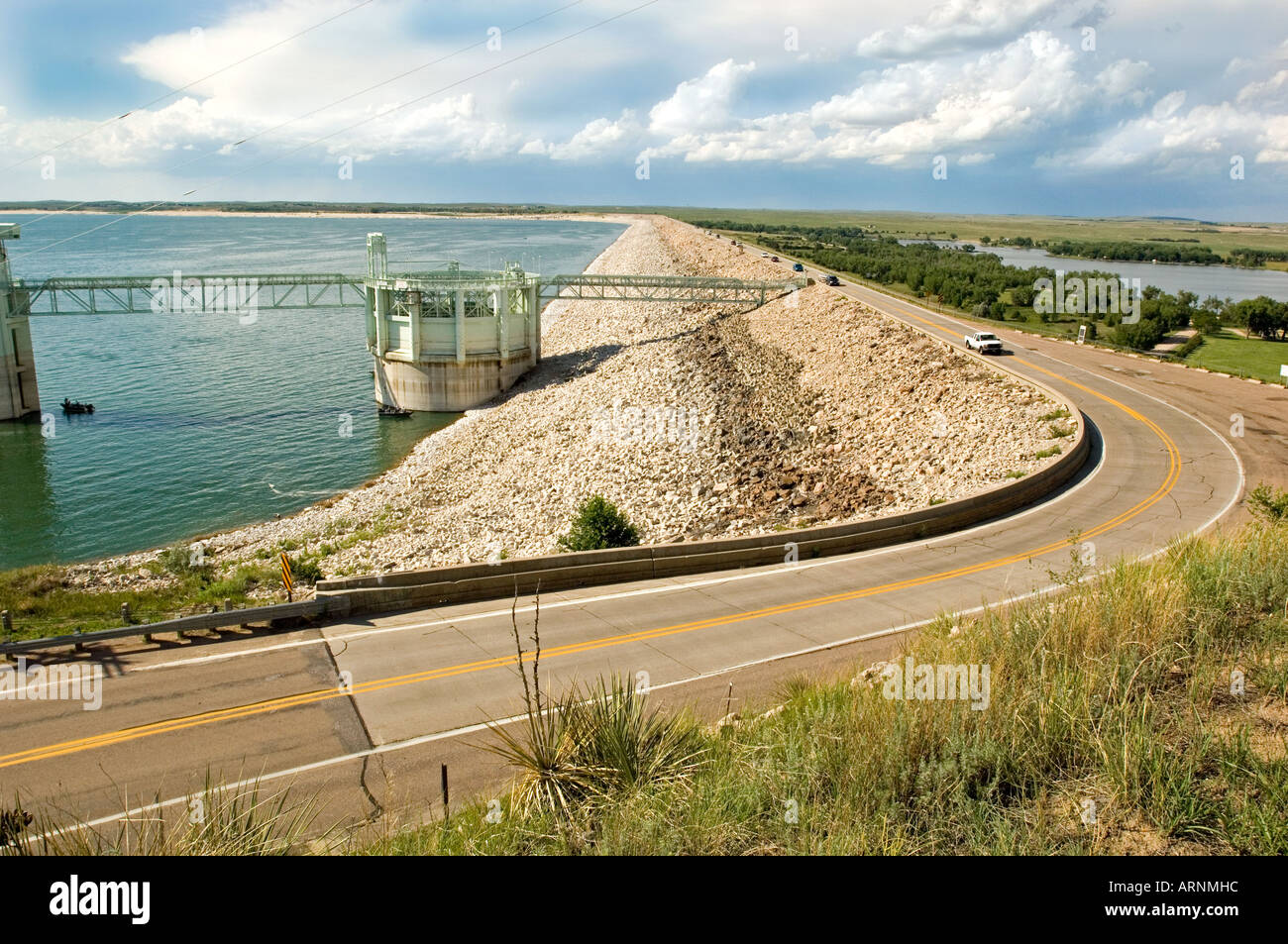 The Kingsley Dam on Lake McConaughy in Nebraska is one of the world's largest earthen dams - Stock Image