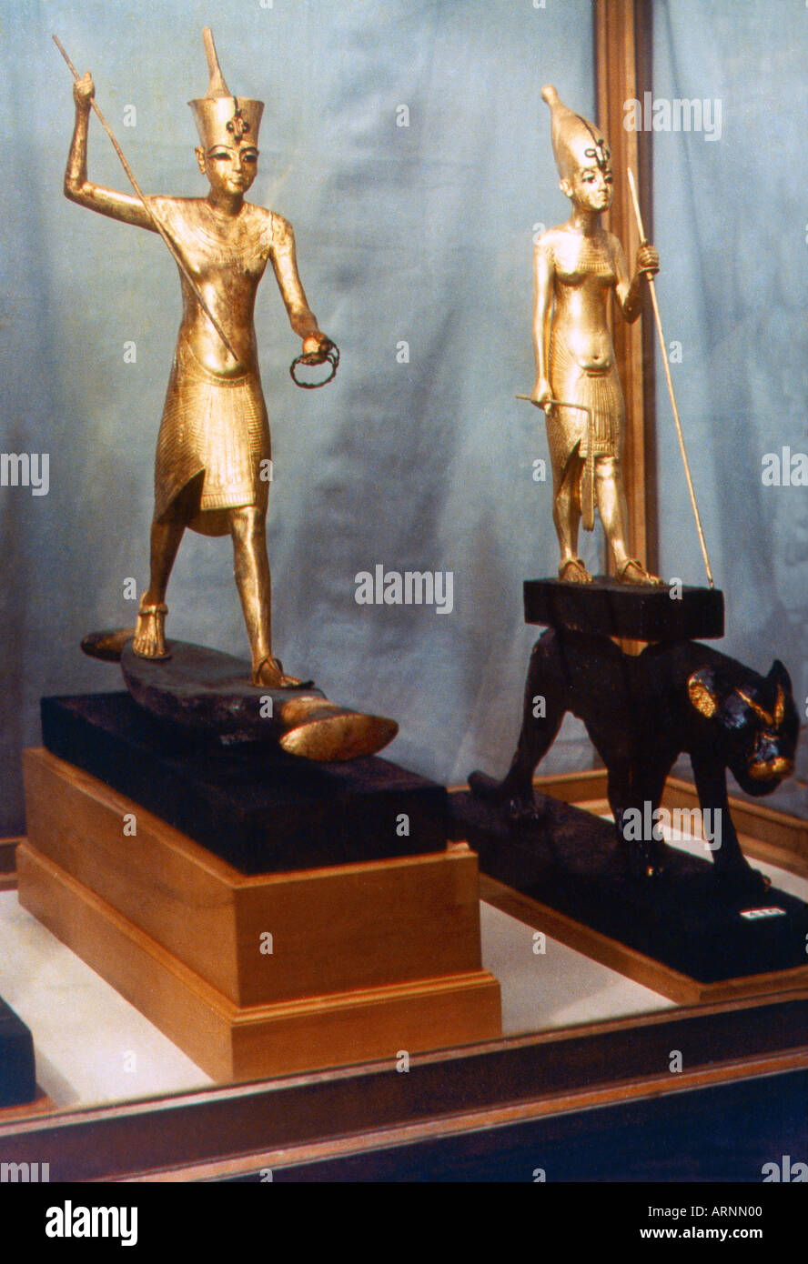 Egypt Gold Statues of King Tutankhamun with the Crowns of Upper & Lower Egypt - Stock Image